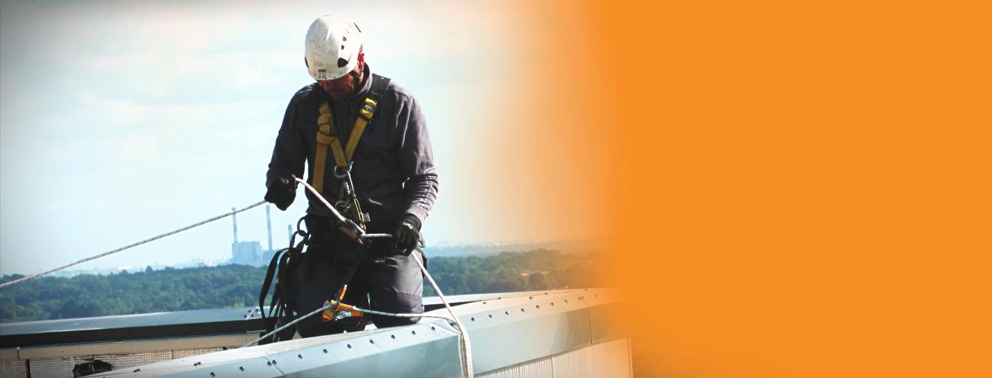 AOS alpiniste batiment tout travaux en hauteur sur corde cordiste p1